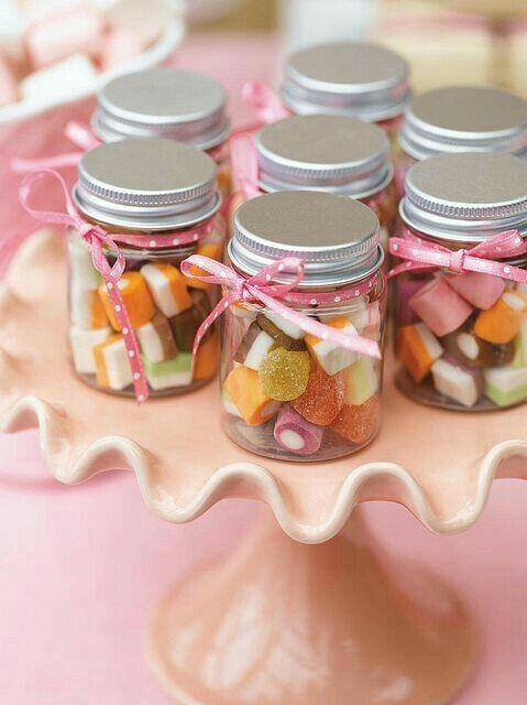 Cómo presentar las chuches en mesas dulces 23
