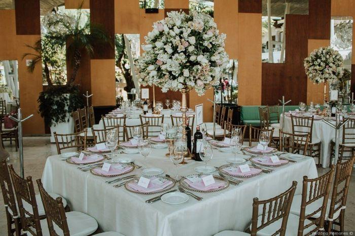 2 bodas, 2 centros de mesa. ¿Cuál prefieres? 1