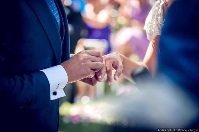 Casarte un día festivo: ¿a favor o en contra? 1