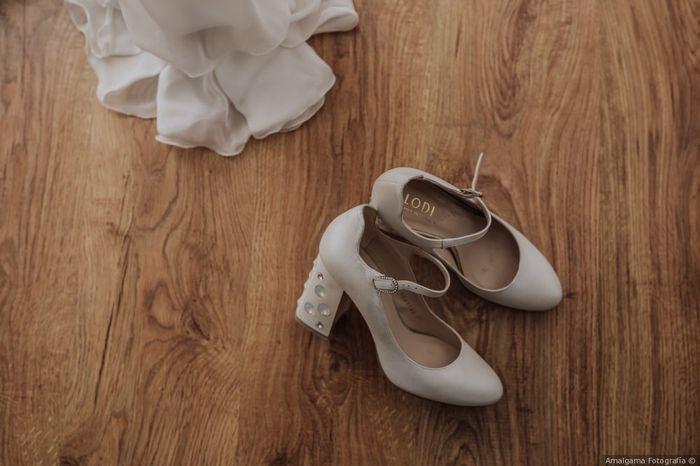 Zapatos blancos VS Zapatos de color 1