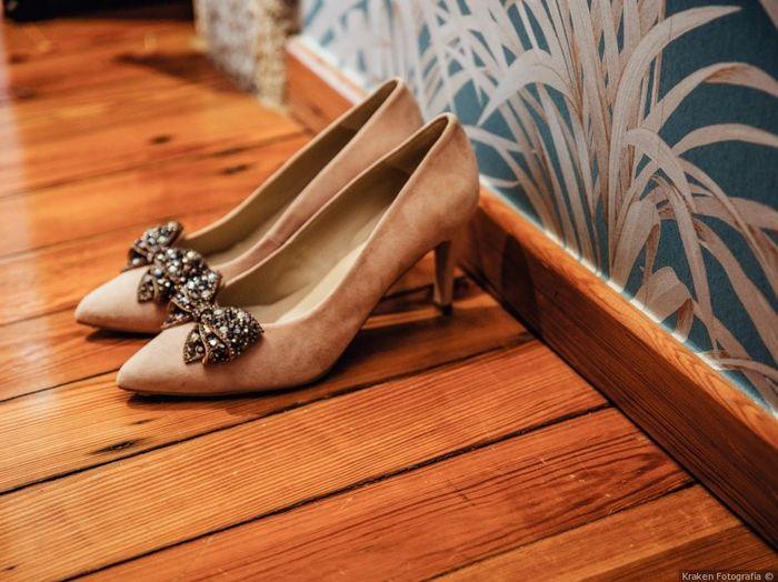 Zapatos blancos VS Zapatos de color 2