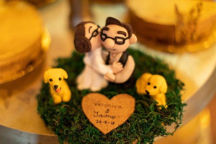 ¿Qué CAKE TOPPER triunfará en tu boda? 3