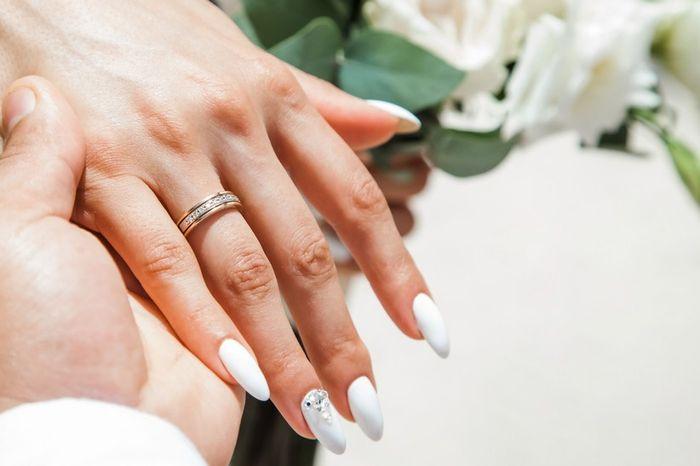 ¿Te has dejado de morder las uñas para la boda? 😜 1