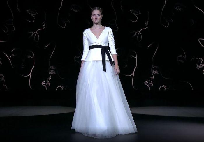 ¡Déjate enamorar por la colección de vestidos de Sophie et Voilà 2021! ❤️️ 2