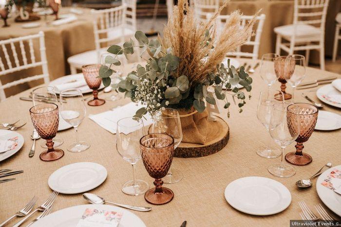 3 mesas, ¿cuál te gusta más? 3