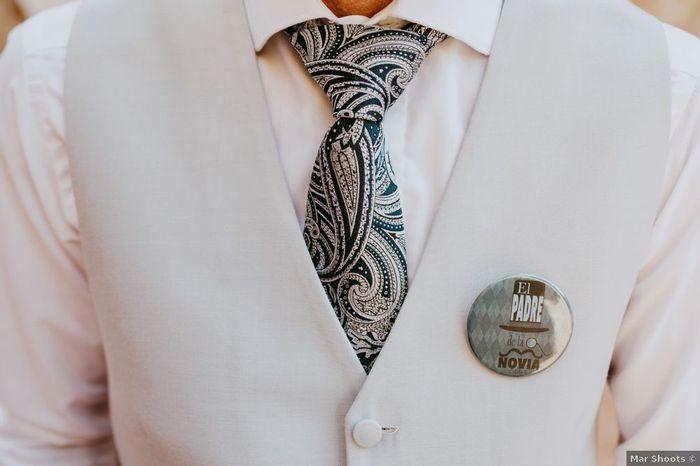 ¿Repartiréis chapas molonas en la boda? 😎 1