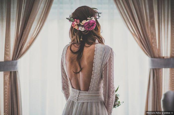 La espalda de este vestido nos ha enamorado, ¿y a ti? ❤️️ 1