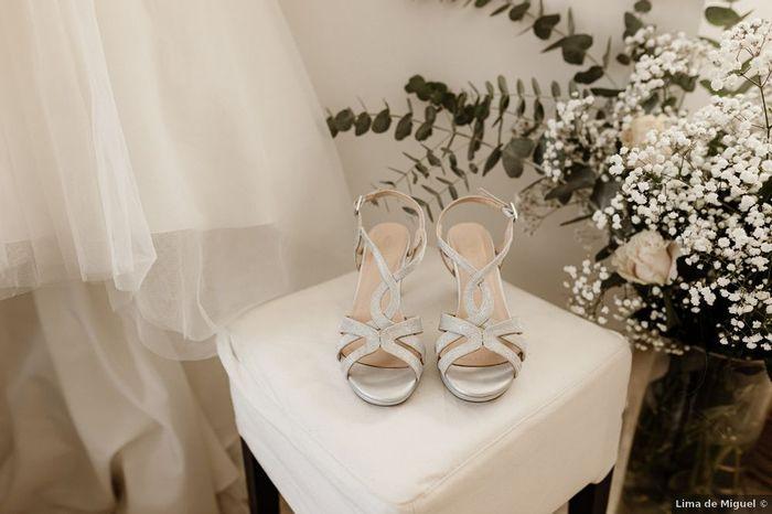 ¿Zapatos blancos vs de color? 👠 1