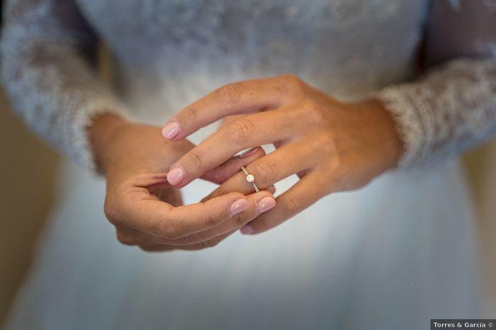"""""""Al ver mi anillo de pedida pensé...💍"""" ¡Vota! 1"""