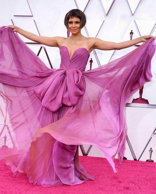 Premios Oscar 2021: ¡No te pierdas los mejores looks aquí! 👗 7