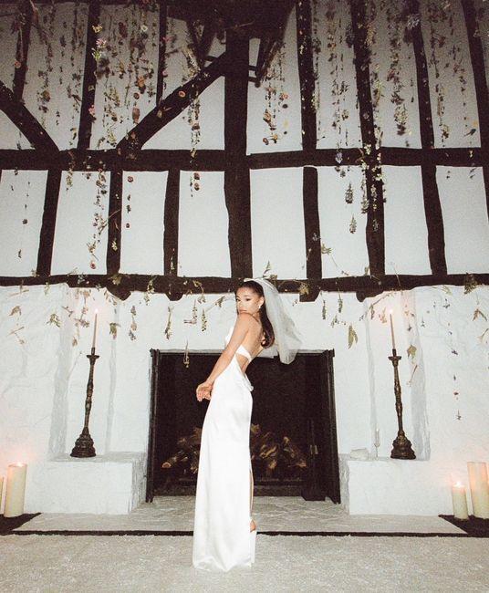 ATENCIÓN: ¡Te enseñamos los detalles de la boda secreta de Ariana Grande! 👇 6