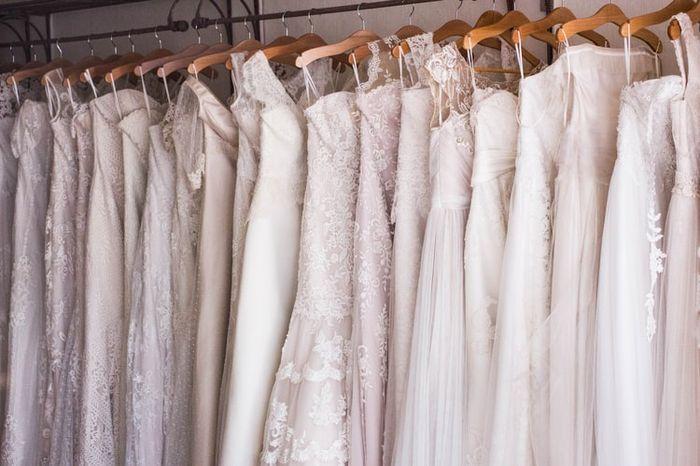¿Cuántos vestidos te has probado hasta encontrar el definitivo? 1