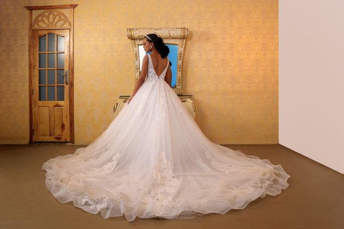 La cola de tu vestido será...👗 1
