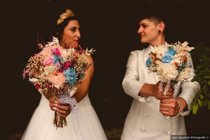 Dos ideas para lucir un ramo colorido en la boda 💐 1
