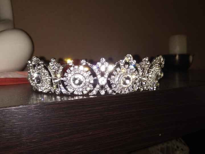 Busco tiara de brillantes - 1