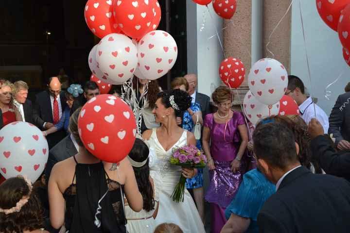 Rodeada de globos