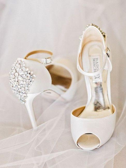 ¡EXPULSA a 1 de estos 3 zapatos! 3