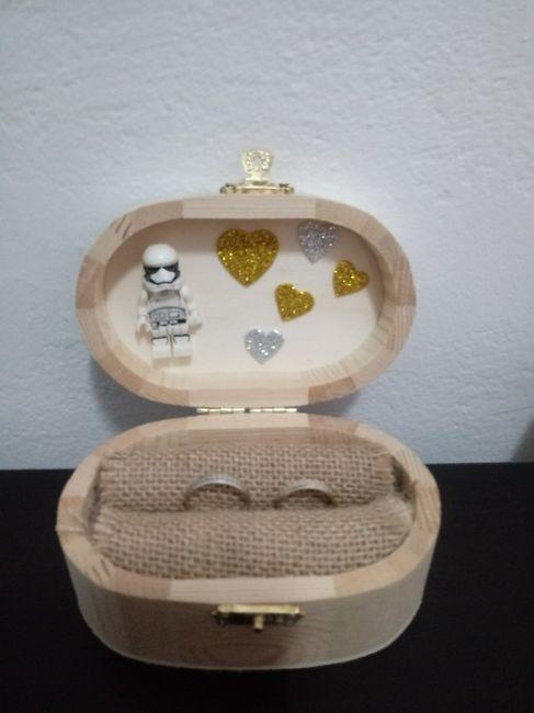 Pomperos,caja anillos y boligrafo de la firma 2