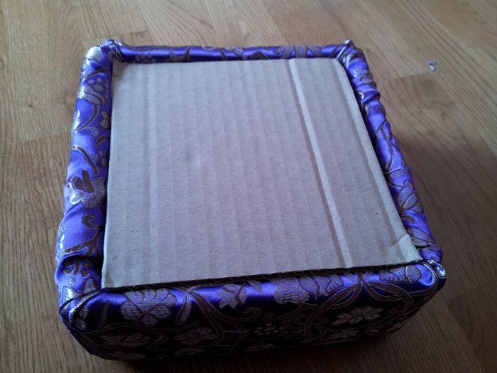 caja con el carton base