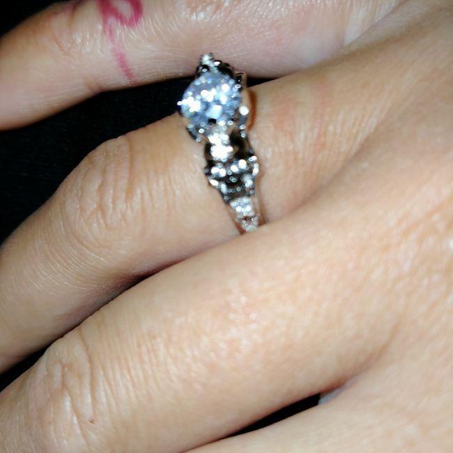 Pongamos todas nuestro anillo de compromiso 12