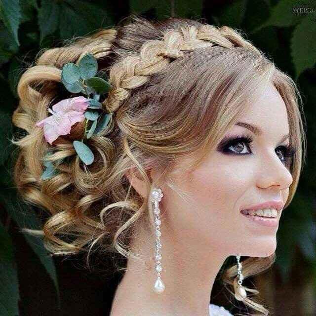 3 flores para lucir con el peinado: ¡Vota! - 1
