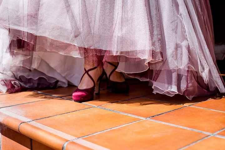 zapatos Jose Illana. color burdeos