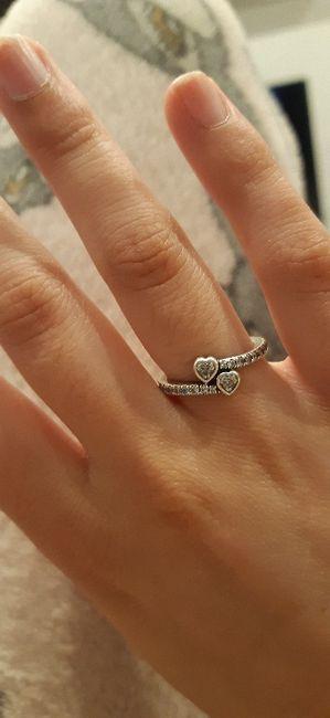 Pongamos todas nuestro anillo de compromiso 17