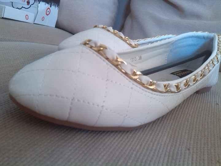 Mis zapatos (Mónica)