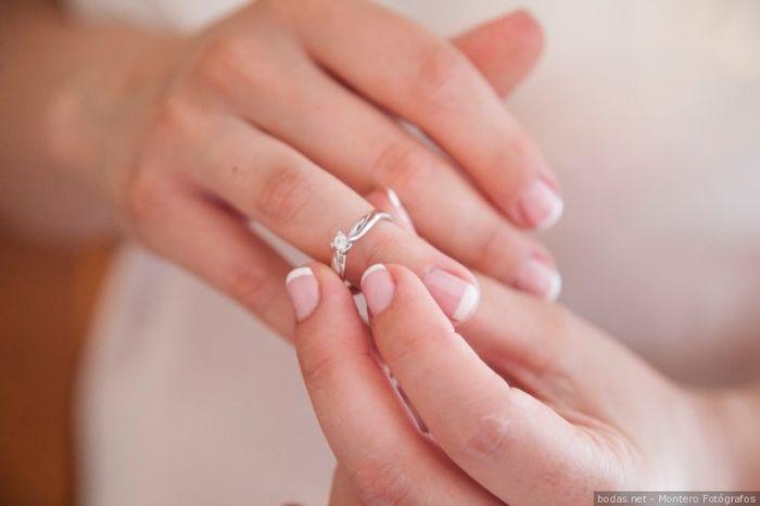 Este anillo de pedida, ¿lo aceptas o lo rechazas? 💍 1