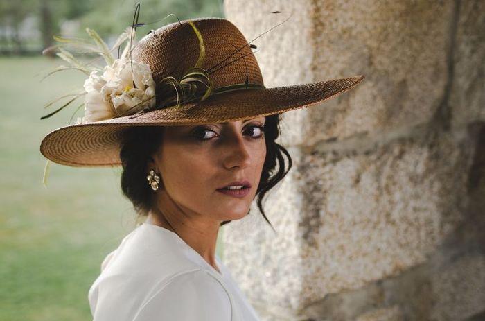 Novias con sombrero 1