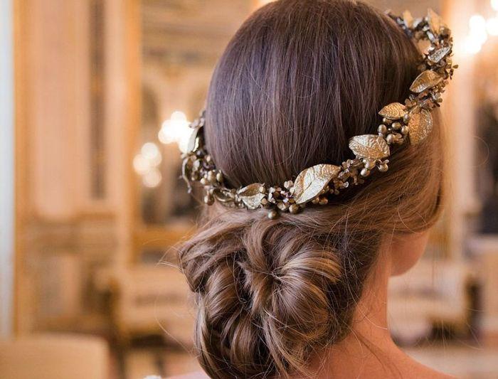 La tiara: ¿blanca o de color? 3