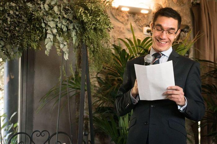 Nuestra boda la oficiará __________ 1