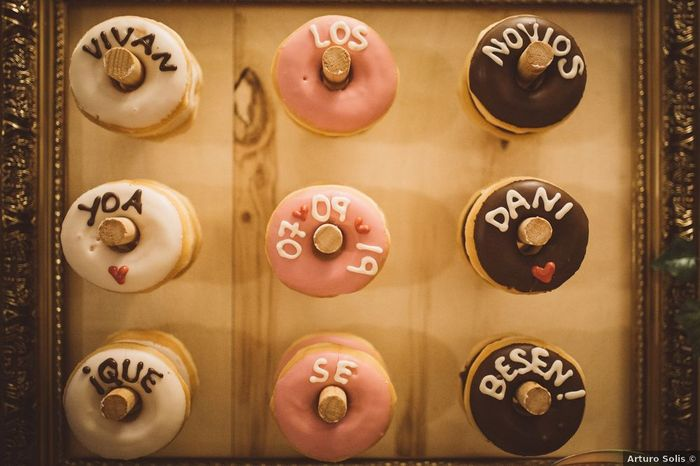 Donuts personalizados para endulzar vuestra boda 🍩 1