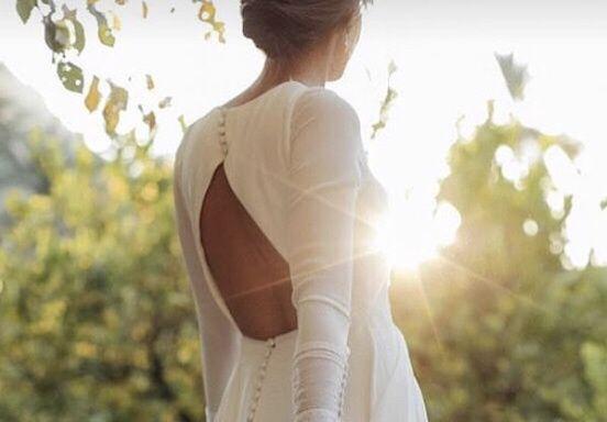 Vestido de invitada con esta espalda - 1