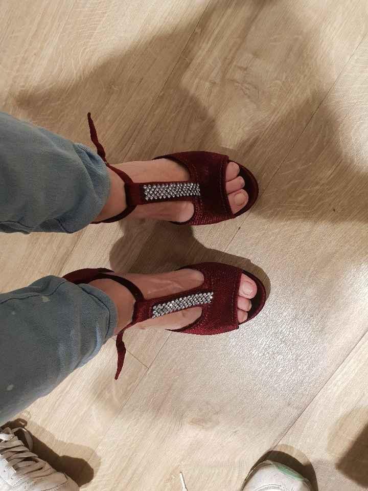 Mis preciosos zapatos color burdeos - 2