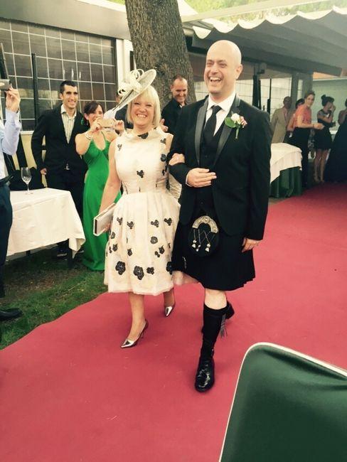 mi novio quiere casarse con falda (no es escoces) - moda nupcial