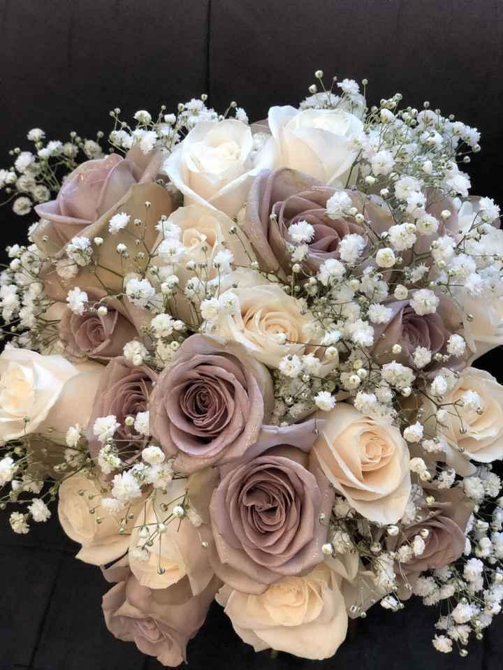 ¿Está feo hacer la decoración floral de boda una misma? - 2