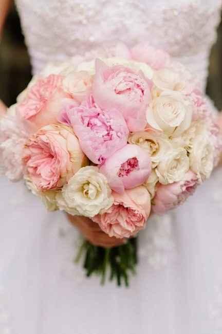 ramo rosas y peonías