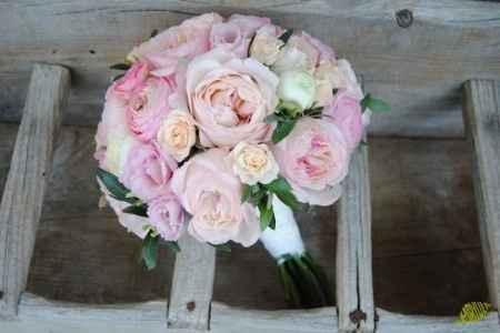 Ramo Lisianthus rosas