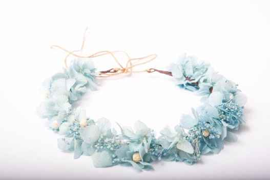 Corona de flores aguamarina