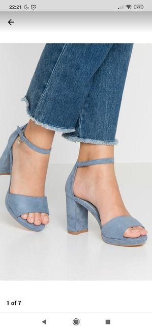 Zapatos de tacón azul celeste 1
