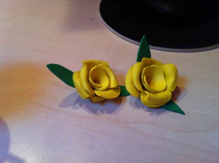 Broches rosas goma eva
