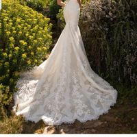 Duda entre vestidos Pronovias - 4