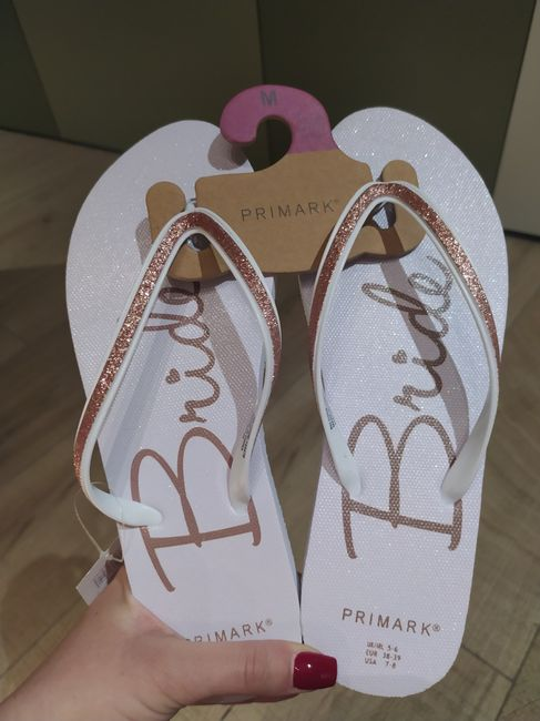 Busco zapatillas de estar por casa personalizadas - 1