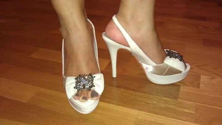 Zapatos AD puestos