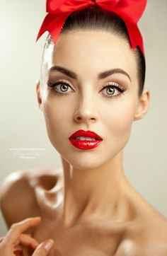 Inspiración maquillaje para labios rojos - 12