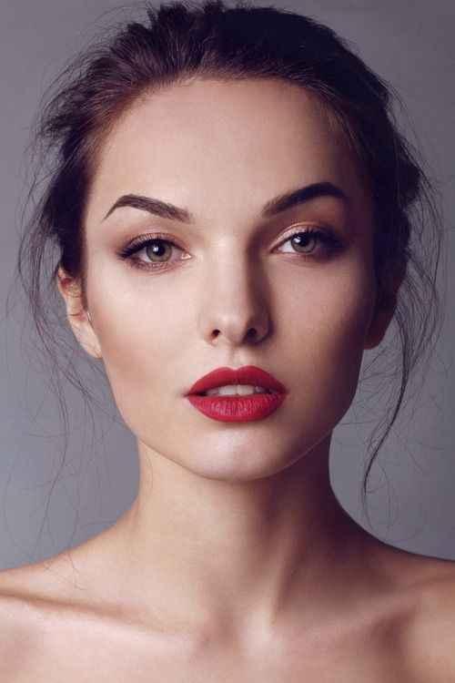 Inspiración maquillaje para labios rojos - 13