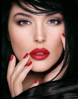 Inspiración maquillaje para labios rojos - 10