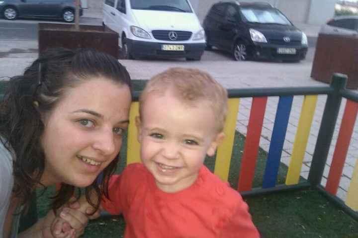 con mami en el parque