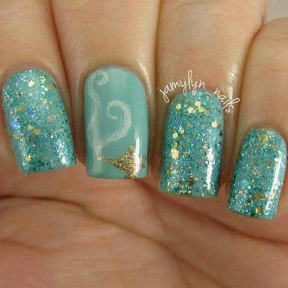 Indecisión uñas 5